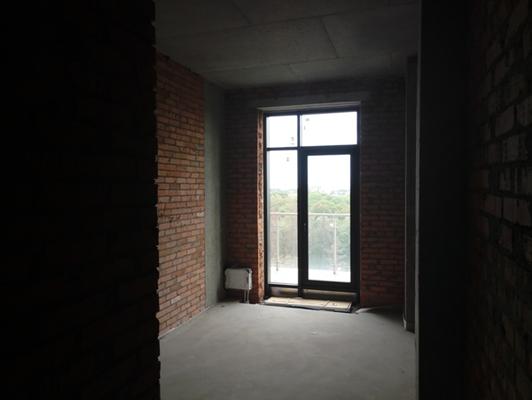 2-х кімнатна квартира №50, що розташована на 9-му поверсі, загальною площею 73,8 кв.м, житловою площею 39,1 кв.м, яка належить ПАТ «ДІАМАНТБАНК», за адресою: м. Київ, Проспект Перемоги 42; реєстраційний номер об'єкта нерухомого майна 693987980000, інв. №29643; основні засоби у кількості 117 одиниць, що належать АТ «ВТБ БАНК» та основні засоби у кількості 104 одиниці, що належать АТ «ДЕЛЬТА БАНК».