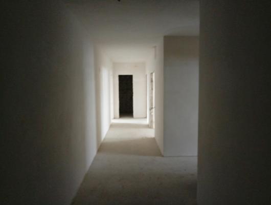 Квартира №45, складається з трьох кімнат, загальною площею 115 кв.м., житловою площею 60,2 кв.м., яка знаходиться за адресою м.Київ, вул.Харченка Євгенія 47-Б.