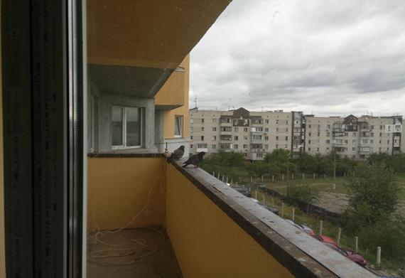 Квартира №18, що складається з трьох кімнат, загальною площею 111,7 кв.м., житловою площею 60,2 кв.м., яка розташована за адресою  м.Київ, вулиця Харченка Євгенія, будинок 47-Б