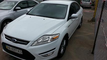 Легковий автомобіль Ford Mondeo Trend, 2011 року випуску, номер кузова WF0DXXGBBDBK66165, номер державної реєстрації АА4597КО;Автошини в кількості 9 шт.;Пальне-бензин марки А-95 в Автомобілі Ford Mondeo (АА 4597 КО), літри 18,51 л.