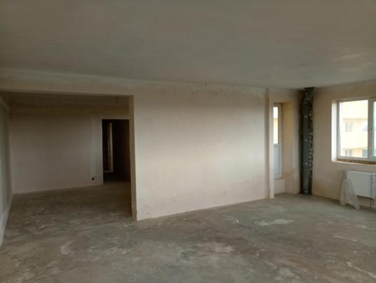 Квартира №14, складається з трьох кімнат, загальною площею 105,0 кв.м., житловою площею 76,5 кв.м., яка знаходиться за адресою м.Київ, вул.Харченка Євгенія 47-Б.